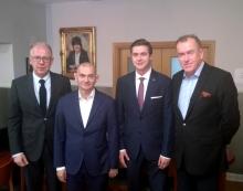 adw. Andrzej Zwara, prezes NRA, wiceprezesi: adw. Jerzy Glanc i adw. Jacek Trela oraz prezes ELSA Poland Krzysztof Stępkowski